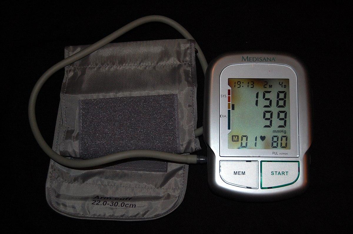 kapcsolódó állapotok magas vérnyomásban)