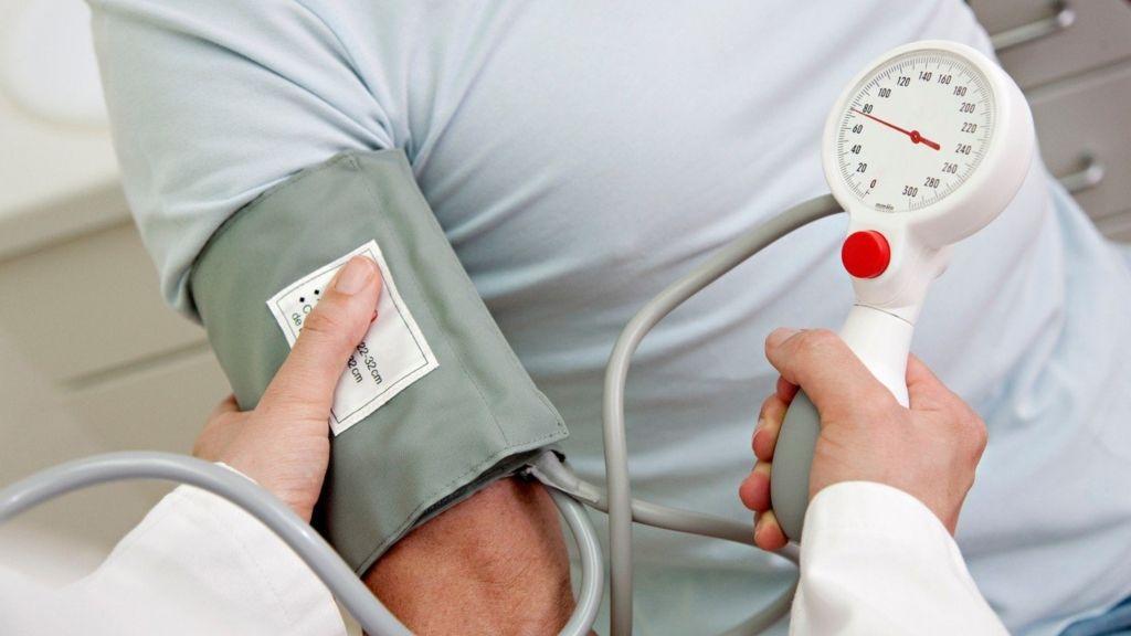 magas vérnyomás 18 évesen miért