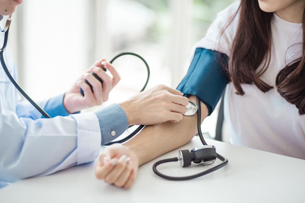 ecet a sarkán magas vérnyomás esetén