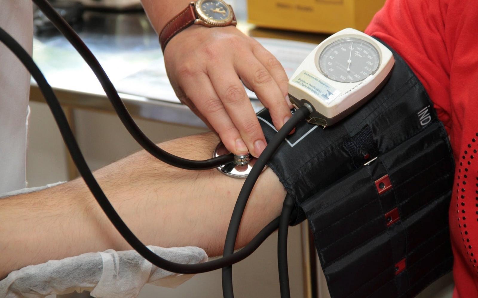 lép magas vérnyomás)
