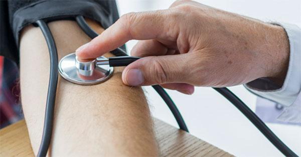 hogyan kell lendíteni a magas vérnyomást)