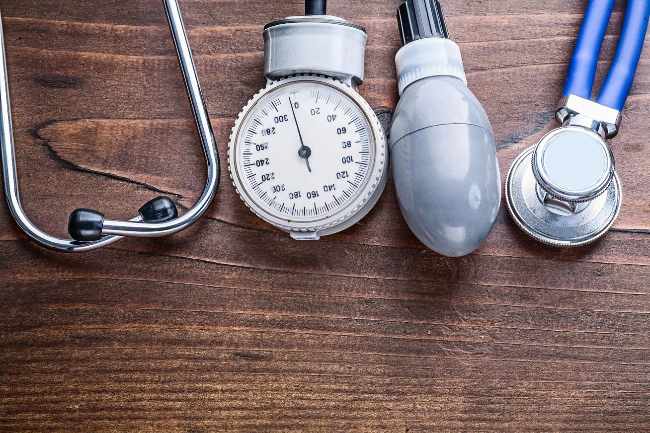 Mire figyeljünk, ha magas vérnyomással indulunk nyaralni?   VEOL