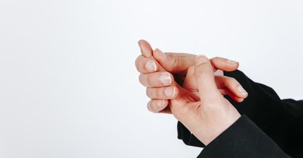 az ujjak zsibbadása hipertóniával)