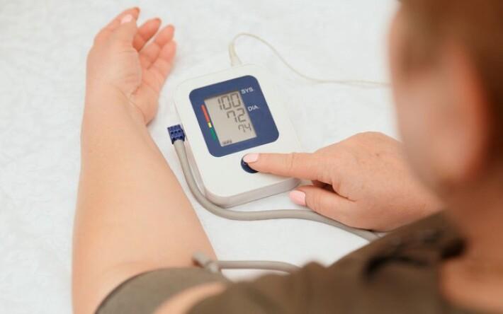 milyen nyomás beszél a magas vérnyomásról)