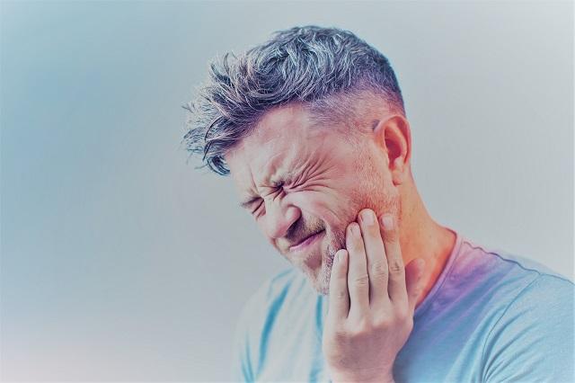 magas vérnyomás és arcfájdalom