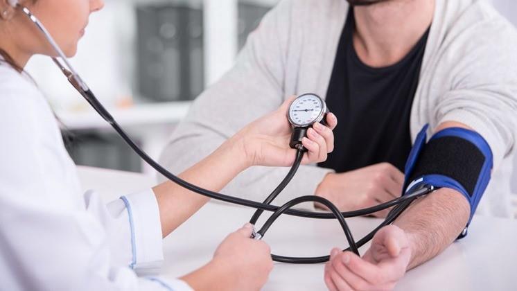 aki képes gyógyítani a magas vérnyomást