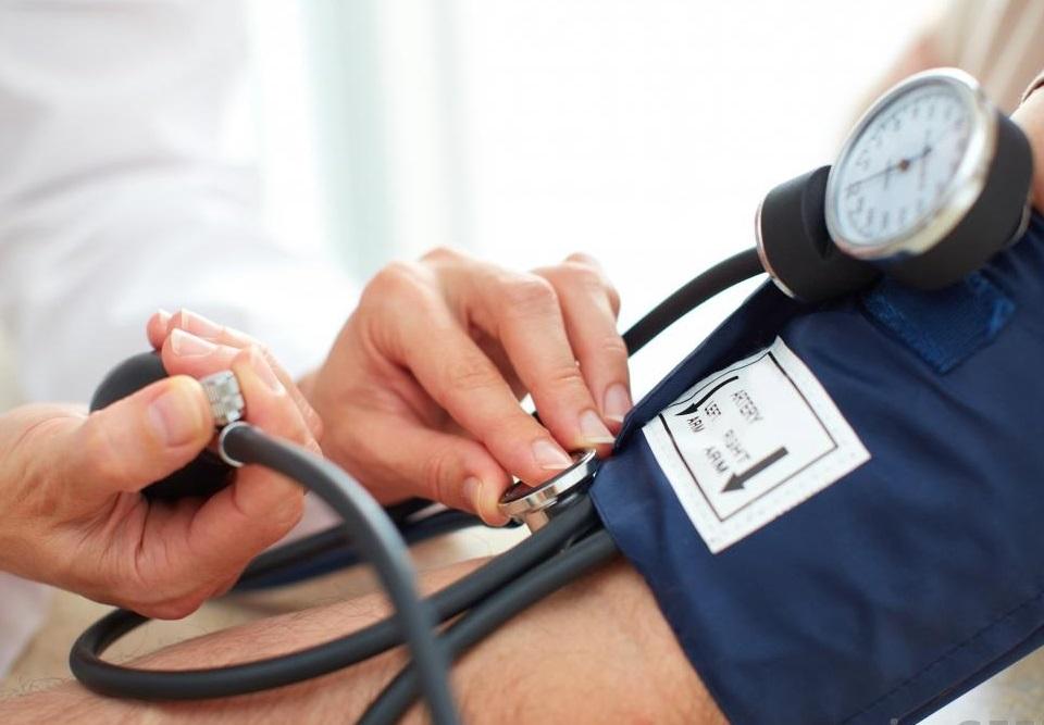 ortostatikus hipotenzió magas vérnyomással)