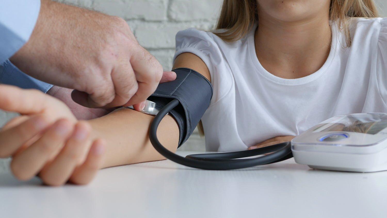 magas vérnyomás kezelés szünet)