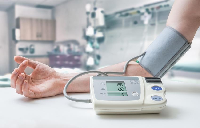 naponta mennyi vizet ihat magas vérnyomás esetén