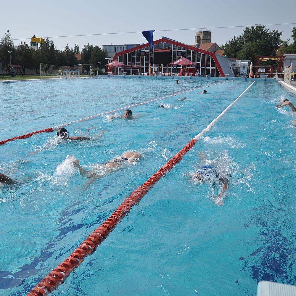 téli úszás és magas vérnyomás)
