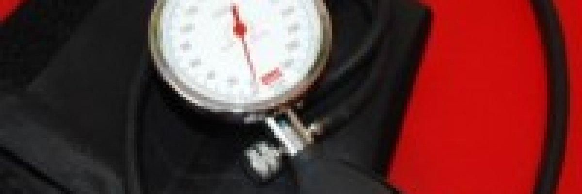 fekvőbeteg magas vérnyomás)
