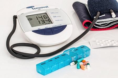 gyengeség magas vérnyomással hogyan kell kezelni)