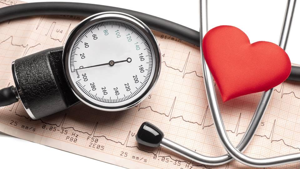 meddig él a magas vérnyomás)