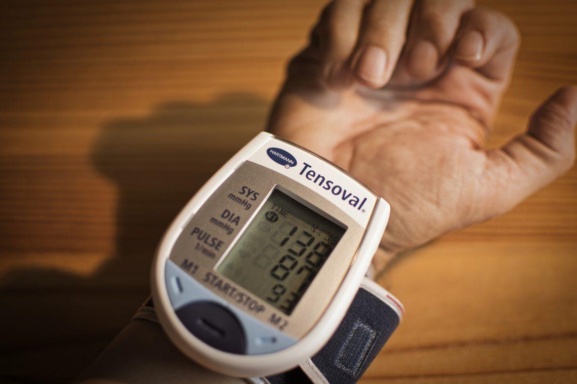 kéz zsibbad a magas vérnyomás
