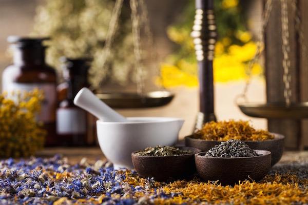 Hogyan befolyásolja a zöld tea a nyomást: növeli, csökkenti, normalizálódik?
