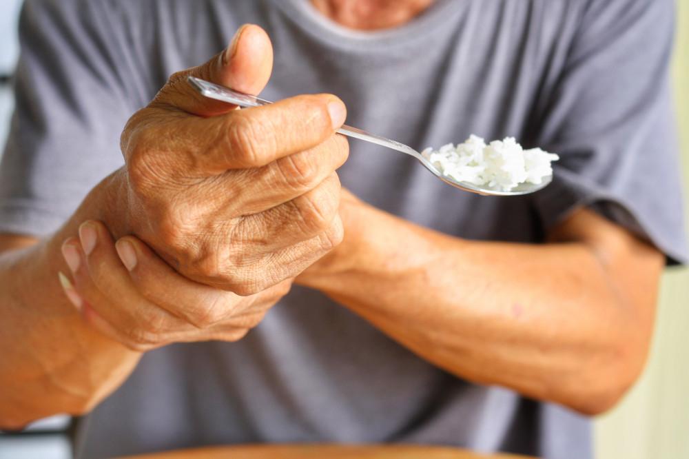 rezcsoinfo.hu   Parkinson-kór: vérnyomáscsökkenés étkezés után