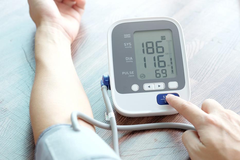 magas vérnyomás visszavonulhat a nyaki hipertónia osteochondrosisában