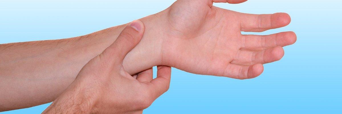 nagyon forró kezek magas vérnyomás)