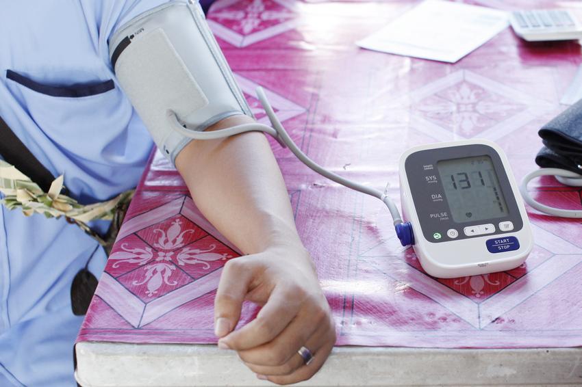130/80: ez már magas vérnyomásnak számít, de miért?